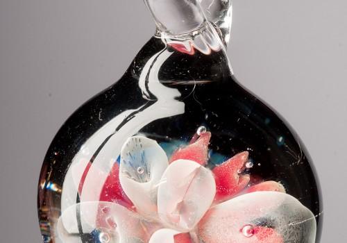 Pendientes y Joyas en vidrio soplado con técnica de implosión
